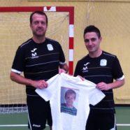 Borja y Jesús Velasco con la camiseta de Javi